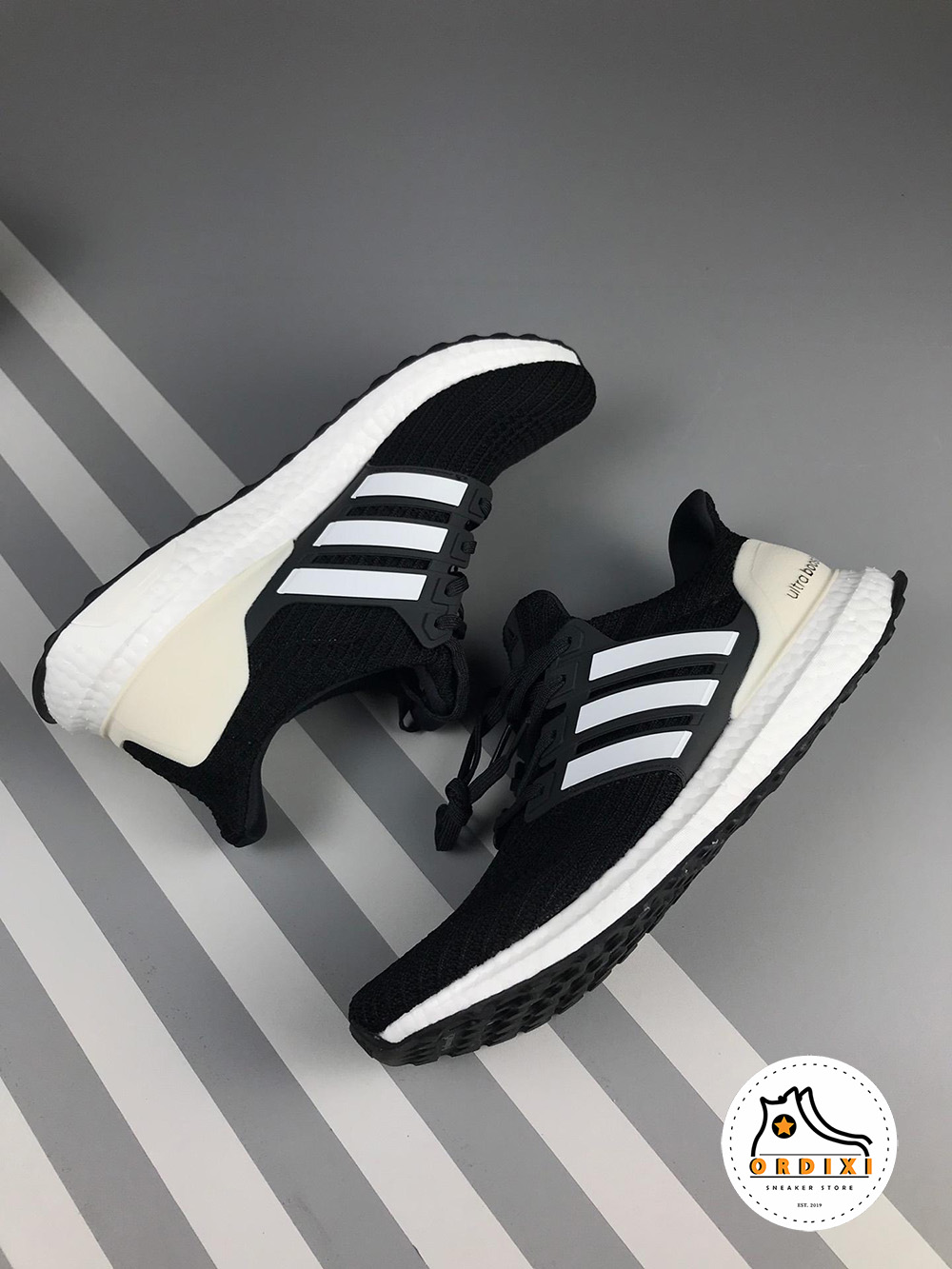 1943475d8a6a7 Giày Adidas Ultra Boost 4.0 Show Your Stripes AQ0062 giá rẻ